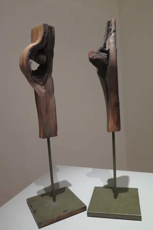 COMPOSITIONS, LOS ENAMORADOS, Sculpture en bois, 31.5cm